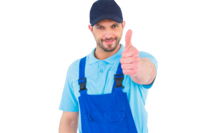 Maintenance worker giving thumbs up: Richmonds Professional HVAC Services Blog
