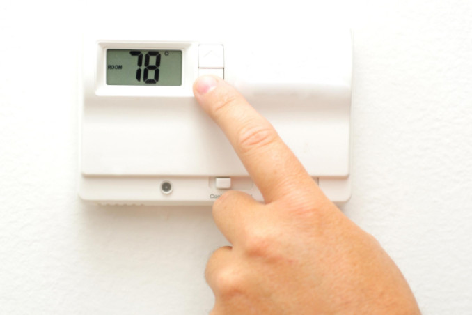 AC thermostat: Richmond's Air DIY Center article